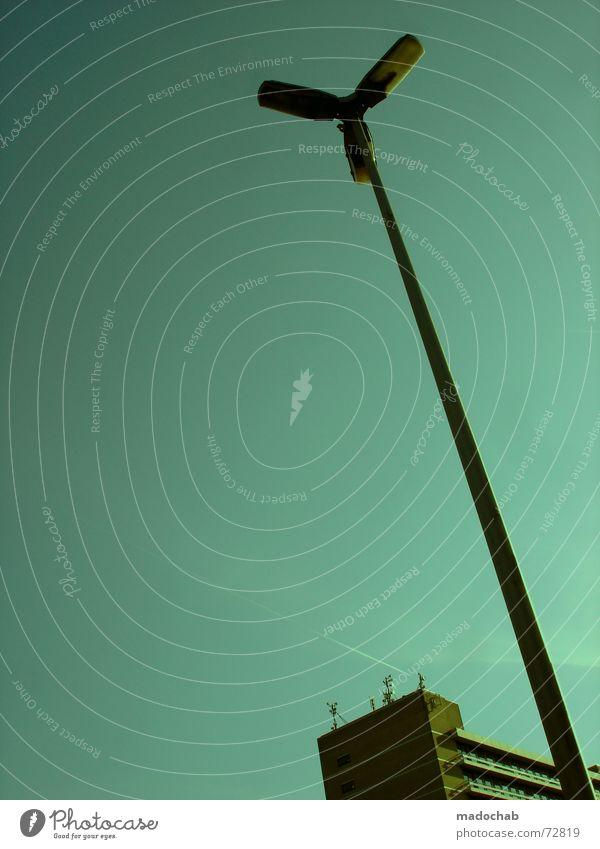 VIEW | design urban funky cool style city stadt himmel grafik Himmel Stadt blau rot Wolken Haus Fenster Leben Architektur Gebäude Freiheit fliegen braun oben Zusammensein Arbeit & Erwerbstätigkeit