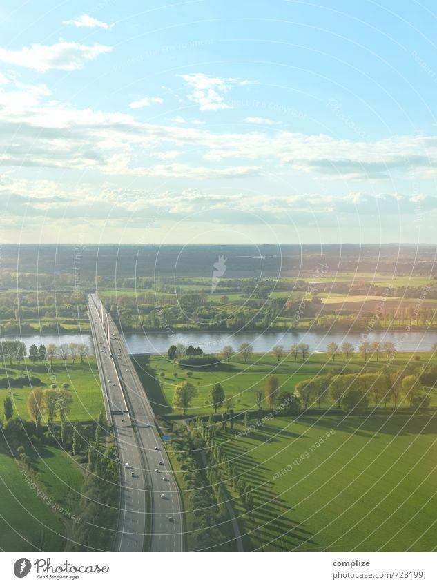 Deutsche Autobahn Himmel Natur Ferien & Urlaub & Reisen blau grün Sommer Sonne Ferne Umwelt Straße Freiheit Horizont fliegen Deutschland PKW Idylle