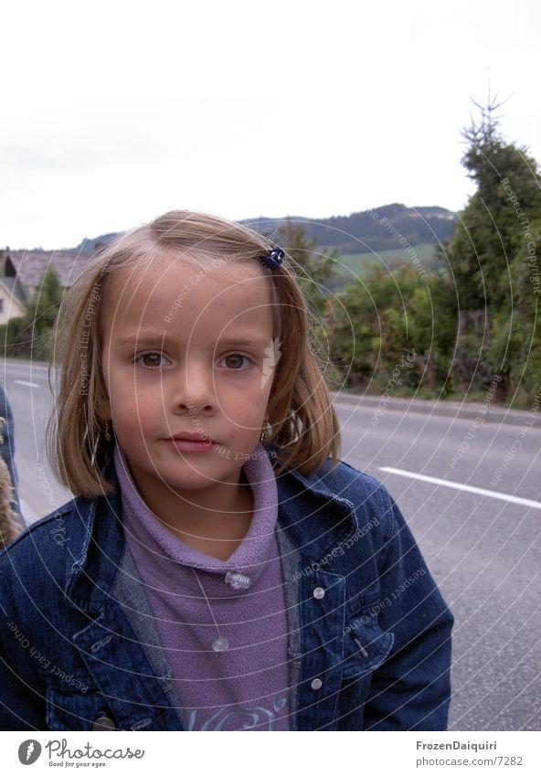 Hallo du! Mädchen blond klein Kind Gesicht Blick Mund Auge