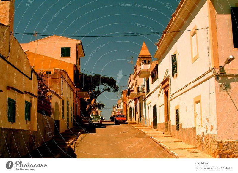 Sonne ohne Wolken Mallorca Siesta Menschenleer mediterran kein ballermann keine touristen nur ich porto colom mittagshitze farben des südens mediteran