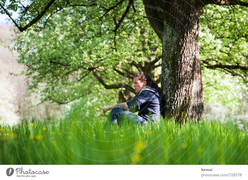 Grüne Gedanken Lifestyle Mensch feminin Frau Erwachsene Leben Kopf Arme 1 18-30 Jahre Jugendliche 30-45 Jahre Umwelt Natur Landschaft Pflanze Sonnenlicht Sommer