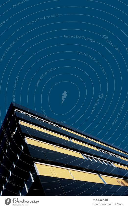 HIGHLY OVERDOSED Himmel Stadt blau rot Haus Fenster gelb Leben Architektur braun Zusammensein träumen 2 Häusliches Leben Wachstum Hochhaus