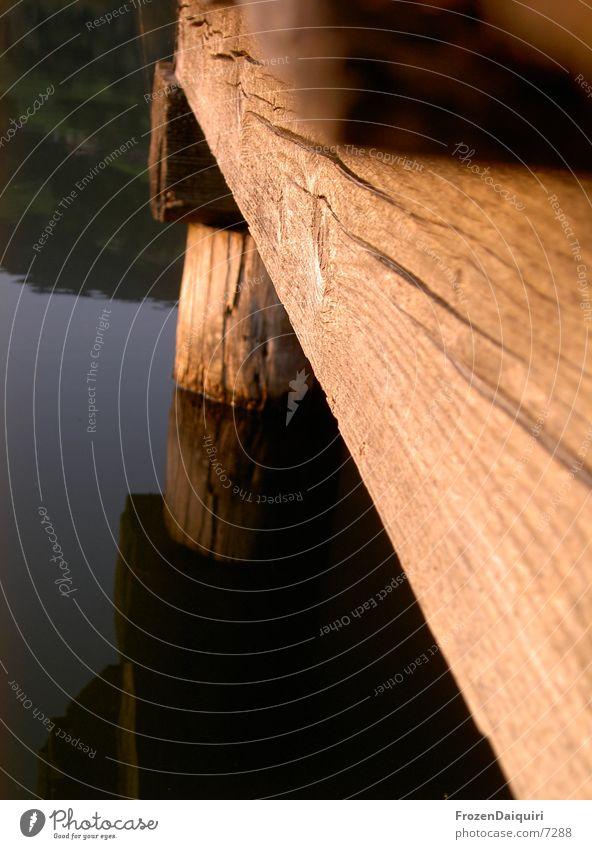 >>Brixener Steg<< Holz See Teich Bundesland Tirol Österreich Reflexion & Spiegelung Makroaufnahme Freizeit & Hobby Wasser Nahaufnahme