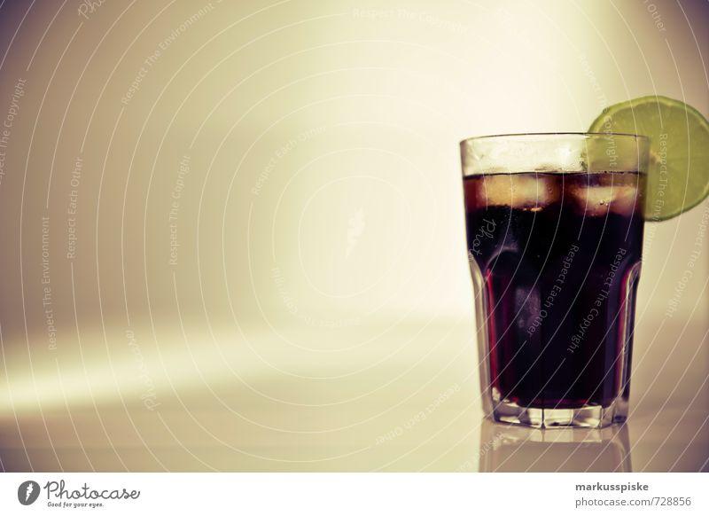 cuba libre cocktail Getränk trinken Erfrischungsgetränk Alkohol Spirituosen Longdrink Cocktail coca cola Rum Reichtum Stil Design Nachtleben Entertainment