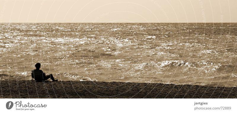 Mal wieder entspannen Wasser Meer Freude Strand ruhig Erholung Gefühle Küste Stuhl Liege