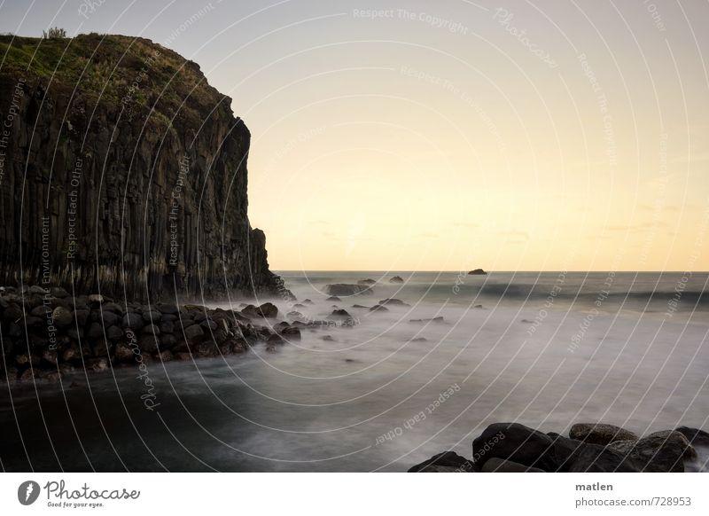 muffin Natur Landschaft Wasser Himmel Wolkenloser Himmel Horizont Sonnenaufgang Sonnenuntergang Wetter Schönes Wetter Hügel Wellen Küste Meer Menschenleer Stein
