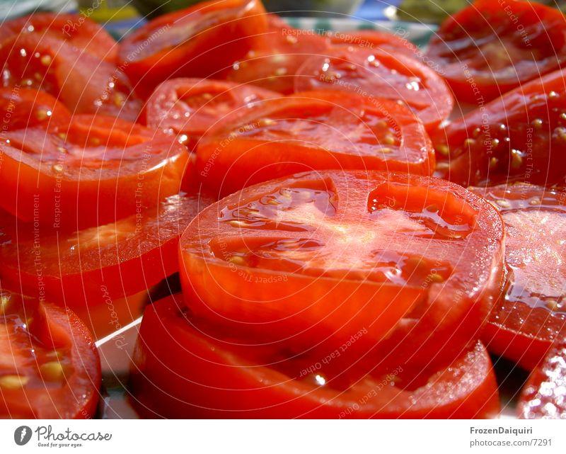 Paradeiser rot Gesundheit Gemüse lecker Fensterscheibe Tomate saftig geschnitten