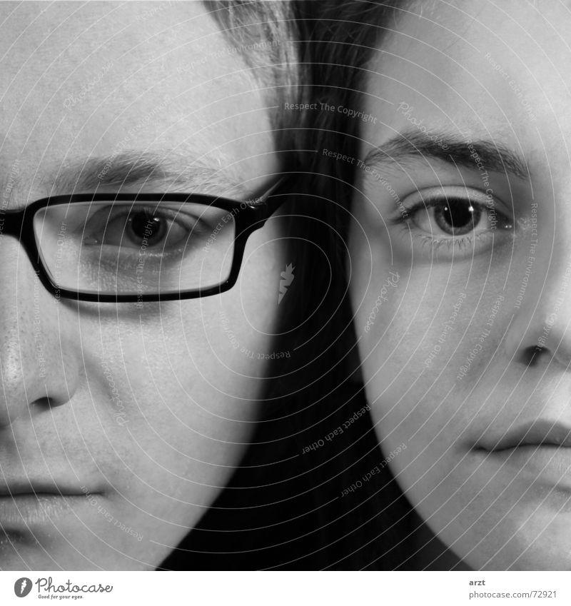 die bessere hälfte Schwarzweißfoto Hintergrund neutral Blitzlichtaufnahme Zentralperspektive Porträt Blick Blick in die Kamera Haare & Frisuren Gesicht Frau