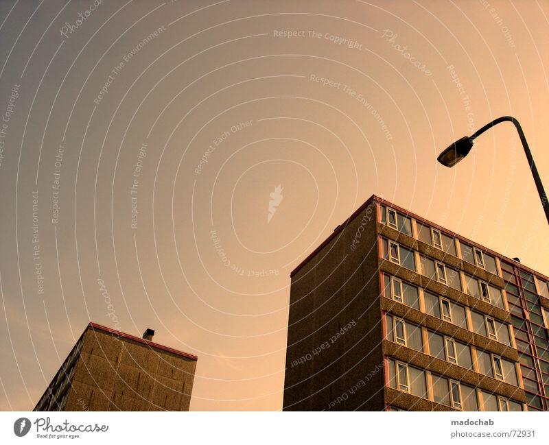 DANCING FOOL VIER Himmel Stadt rot Haus Fenster Leben Architektur braun Zusammensein träumen 2 Häusliches Leben Wachstum Hochhaus Tanzen Beton