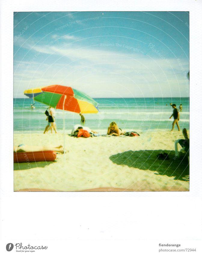 beachlife 5 Strand Meer Erholung Wolken Gischt Wellen Ballermann Sonnenschirm Barfuß Flipflops Polaroid Sand Freiheit Salz Haut laufen
