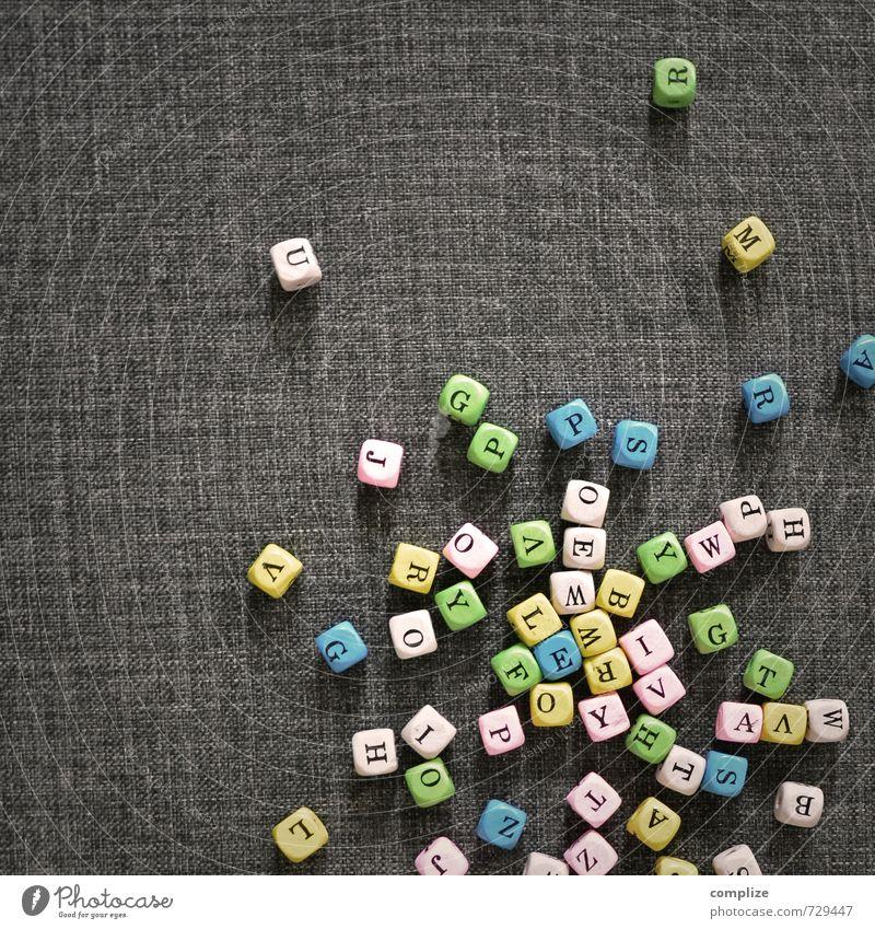 Die richtigen Worte finden Bildung Schule lernen Arbeitsplatz Medienbranche Business sprechen Zeichen Schriftzeichen Ziffern & Zahlen werfen Würfel Buchstaben