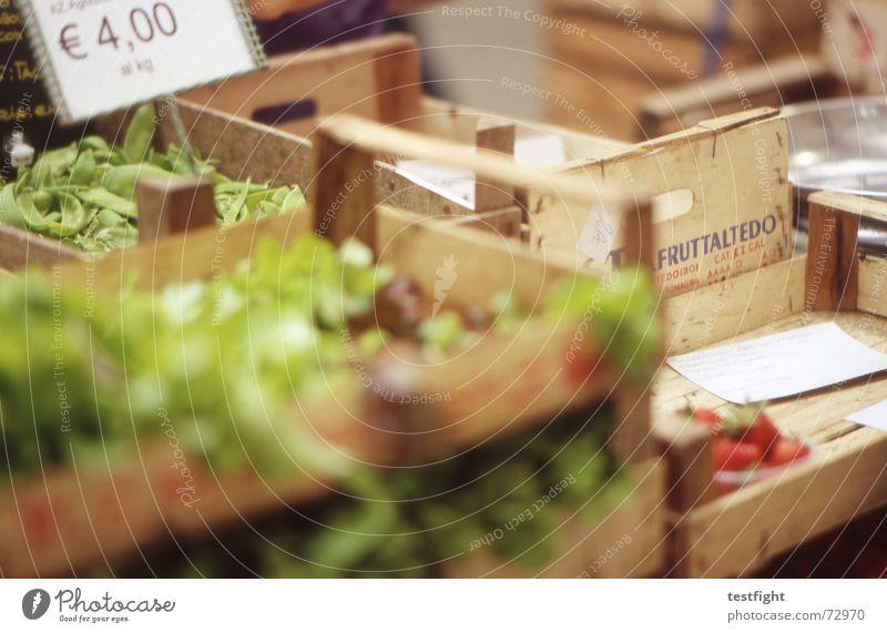 damals auf dem markt, du und ich, frisches gemüse kaufend... Frucht Lebensmittel Ernährung Gemüse lecker ökologisch Markt Fleisch Salat Wurstwaren Grünpflanze