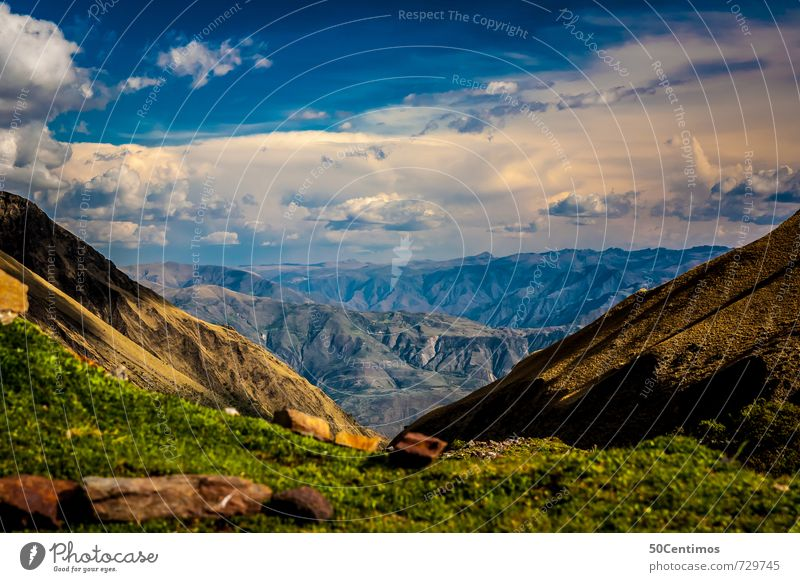 Hoch in den Bergen - Das Panorama Natur Ferien & Urlaub & Reisen Landschaft Wolken Freude Ferne Berge u. Gebirge Freiheit Freizeit & Hobby Klima wandern Ausflug