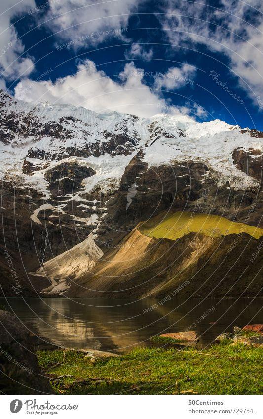 Der Gebirgssee Natur Ferien & Urlaub & Reisen Wasser Landschaft Wolken Ferne kalt Umwelt Berge u. Gebirge Wiese Schnee Freiheit Zeit See Erde Horizont
