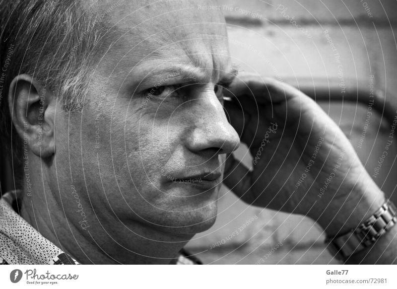 Mmmh? Porträt skeptisch genervt Zweifel Denken Misstrauen Schüchternheit Schwarzweißfoto