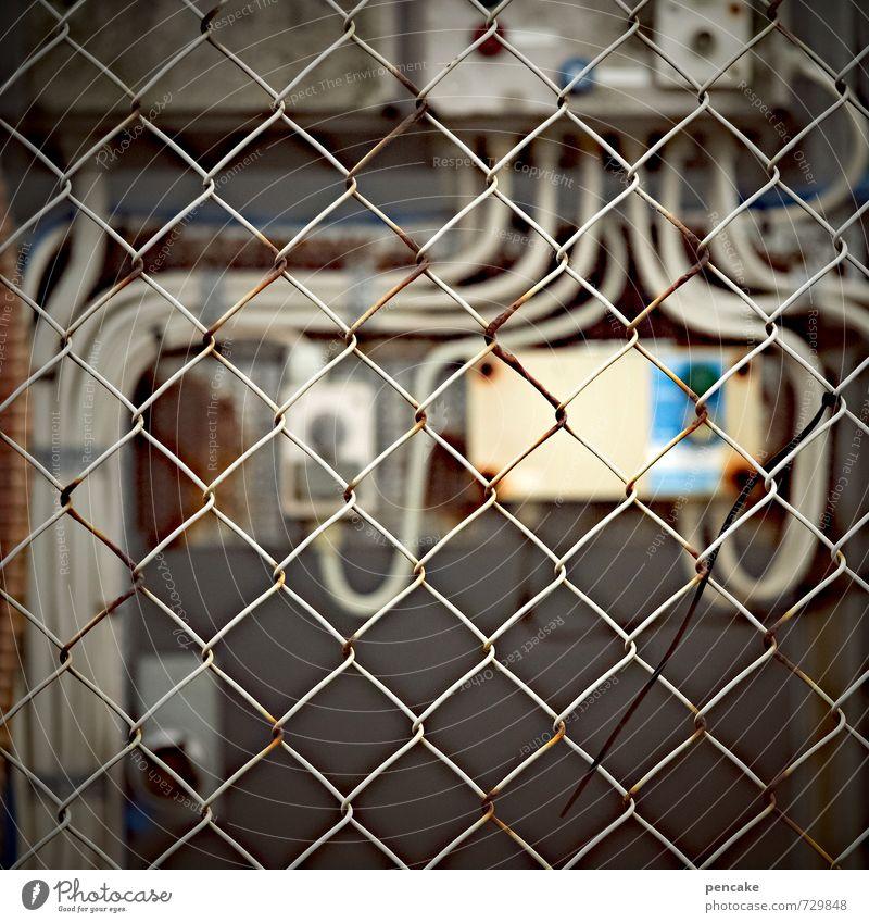 Rømø | sicherererer Stadt dunkel Wand Mauer Energiewirtschaft Beton bedrohlich Technik & Technologie Zeichen Kabel Kunststoff Hafen Fabrik Rost trashig eckig