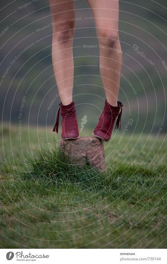Rote Stiefel Lifestyle elegant Stil schön Ausflug Freiheit Mensch feminin Junge Frau Jugendliche Erwachsene Beine Fuß 1 Natur Landschaft Wiese Feld Hügel Felsen