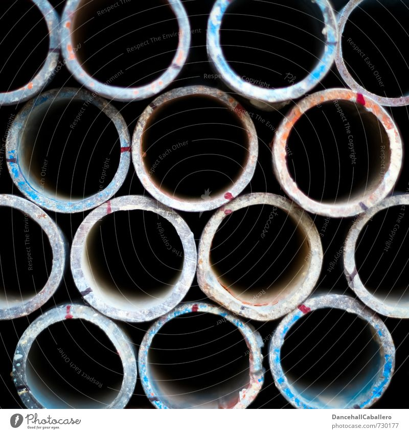 Rohre im² Technik & Technologie Industrie Metall Kreis Röhren Eisenrohr rund schwarz Ordnung Lager aufeinander nebeneinander Baustelle Handwerk Design Farbfoto