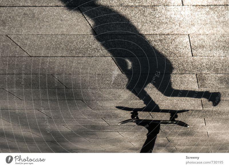 In Bewegung #3 Mensch Stadt Freude Bewegung Sport Park Freizeit & Hobby Körper Kraft Zufriedenheit Geschwindigkeit Platz fahren Skateboarding Kontrolle Schattenspiel