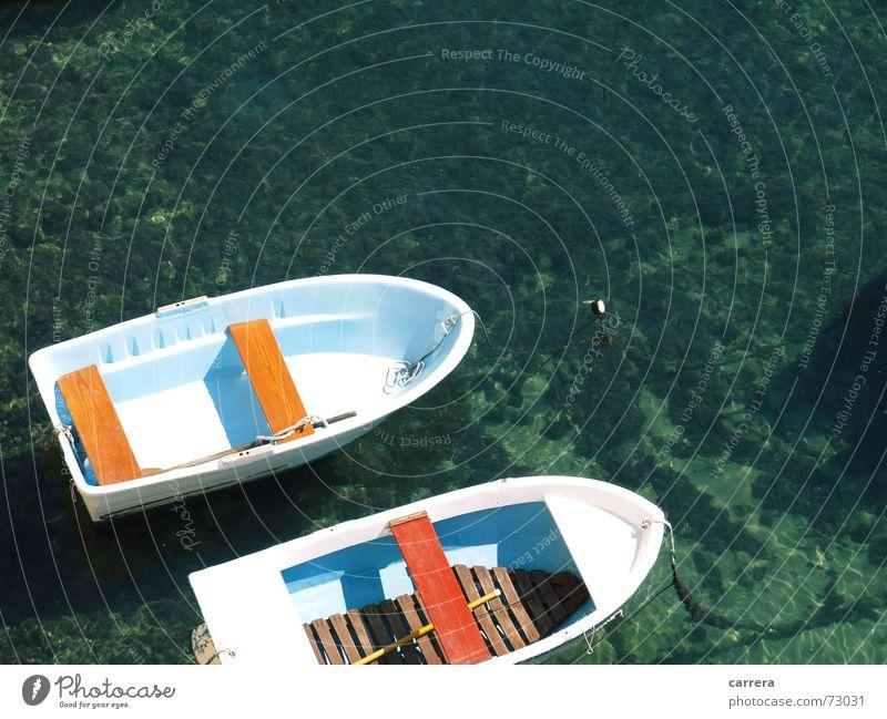 Traute Zweisamkeit See Zusammensein angekettet Gesellschaft (Soziologie) Wasserfahrzeug Ruderboot Meer grün Kroatien Ferien & Urlaub & Reisen Angeln leer Sommer