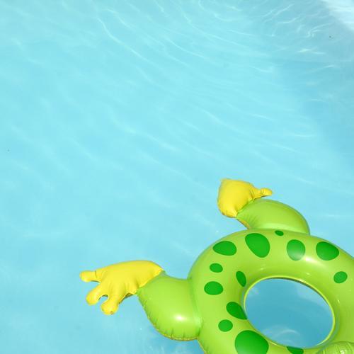 Froschschenkel blau Sommer Sonne Meer Erholung Freude Strand Spielen Schwimmen & Baden Freizeit & Hobby Wellen Tourismus Schönes Wetter Schwimmbad Wellness