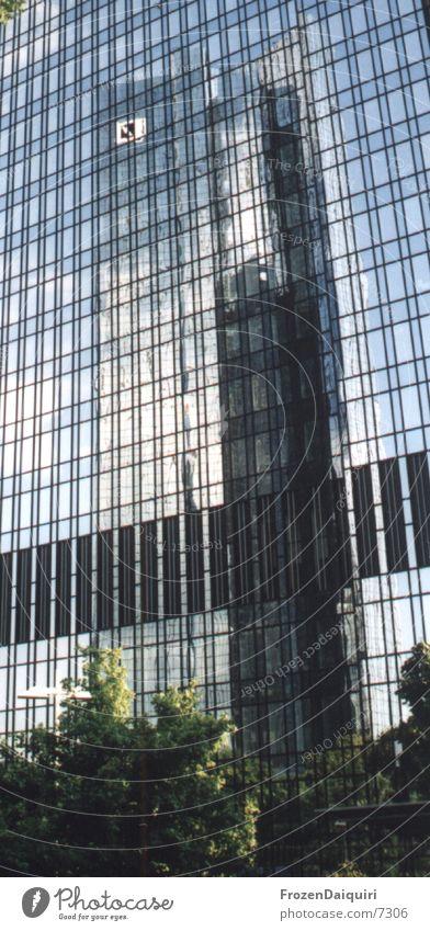 Spieglein, Spieglein, ... Hochhaus Bürogebäude Frankfurt am Main Reflexion & Spiegelung Fassade Architektur Turm Deutsche Bank Skyline