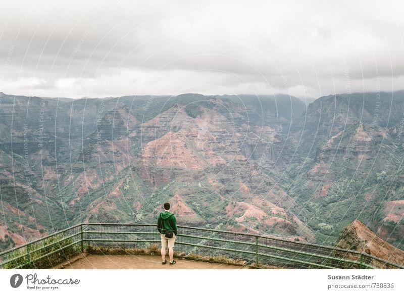 hawaii | waimea canyon Mensch Himmel Ferien & Urlaub & Reisen Mann Einsamkeit Wolken Ferne Berge u. Gebirge Felsen elegant Beginn Hügel Geländer entdecken