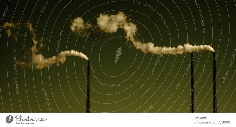 Sauber Fabrik Industrie Technik & Technologie Himmel Klima Klimawandel Wetter Industrieanlage Gebäude Schornstein Rauch dreckig grün Stimmung gefährlich