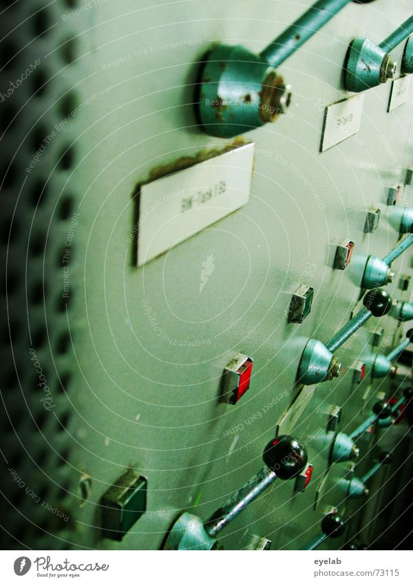 Hebelwirkung V1.2 grün Maschine Schalter Stahl rot grau Arbeit & Erwerbstätigkeit retro Grunge Industriefotografie Raumfahrt Navigation Flugzeug Elektrizität