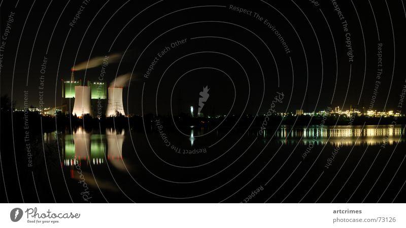 Dreamfactory Reflexion & Spiegelung Farbenspiel Nachtaufnahme Langzeitbelichtung Panorama (Aussicht) See schwarz grün weiß Rauch Macht Industrie schkopau Wasser