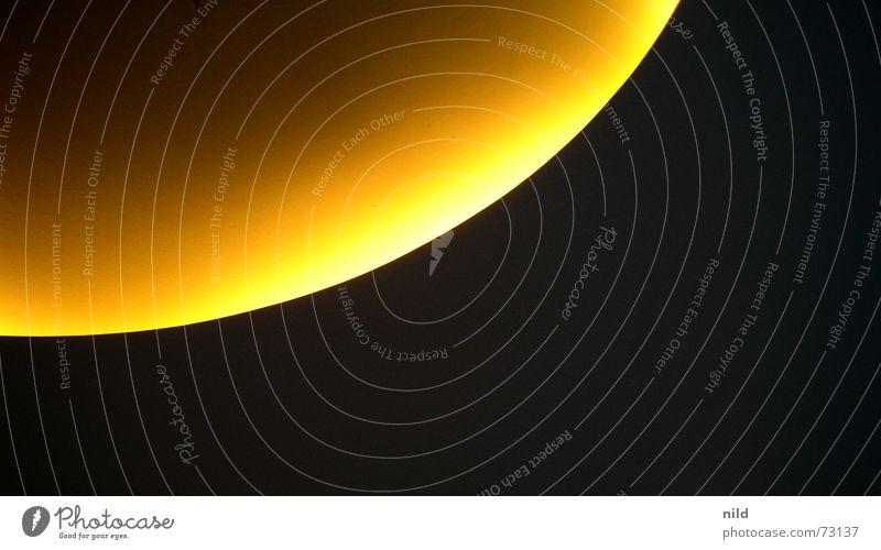 Versteh ich auch nicht! Sonne schwarz gelb Lampe Beleuchtung warten Kreis Mond Langeweile Decke Planet Halbkreis indirekt Viertelkreis