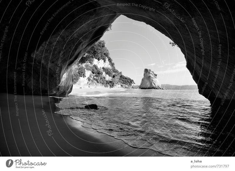 Into The Light Natur Landschaft Pflanze Urelemente Sand Wasser Himmel Wolken Horizont Sommer Schönes Wetter Wärme Hügel Felsen Schlucht Höhle