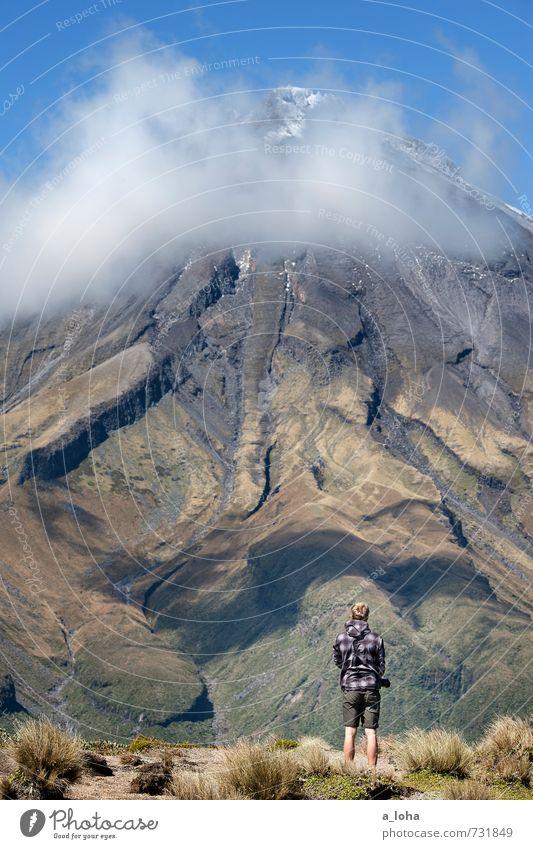 The Giant And The Dwarf Mensch Himmel Natur Ferien & Urlaub & Reisen Pflanze Sommer Einsamkeit Landschaft Wolken Ferne Umwelt Berge u. Gebirge Gras braun Luft