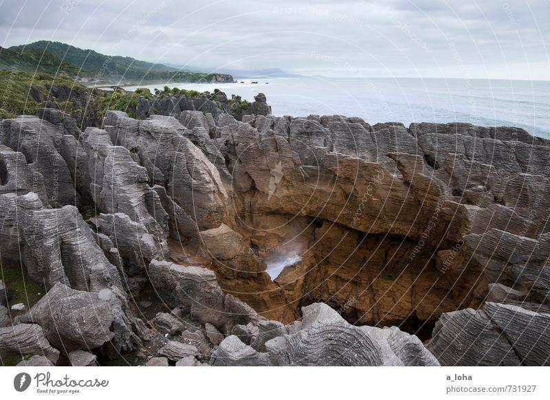 Pancake Rocks Himmel Natur Ferien & Urlaub & Reisen Wasser Pflanze Sommer Landschaft Wolken Ferne Umwelt Küste Linie Felsen Horizont Urelemente Gipfel