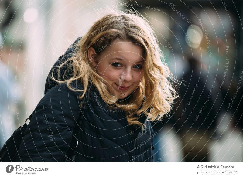 frech daher schauen Mensch Kind Jugendliche schön Junge Frau feminin Glück blond 13-18 Jahre Freundlichkeit