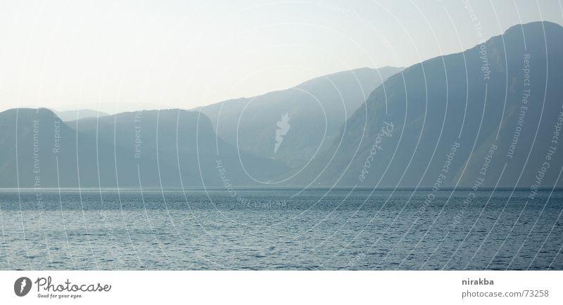 die Farbe BLAUGRAU Natur Wasser Berge u. Gebirge weich schlechtes Wetter blau-grau Weichspüler