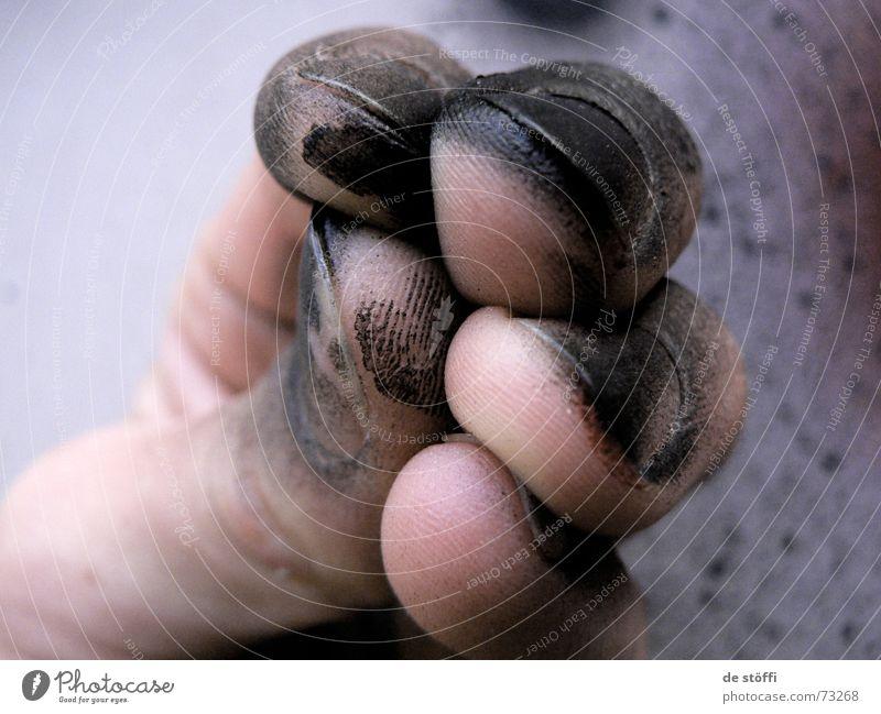 de.fingers.kuschel.action Hand Freude schwarz Kunst dreckig Haut leer Finger streichen Nachbar sprühen Aktion nebeneinander Schadstoff