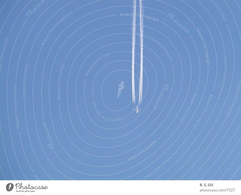 Losgelöst Himmel blau Flugzeug Verkehr Verkehrsmittel Kondensstreifen