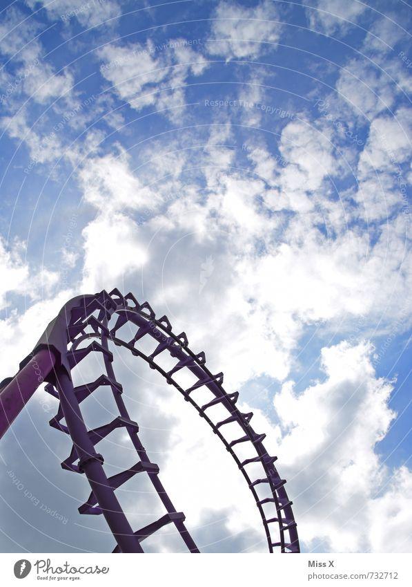 Risikooooo Freizeit & Hobby Abenteuer Jahrmarkt Himmel Wolken Sonnenlicht fahren gigantisch hoch Gefühle Stimmung Freude Euphorie Angst Todesangst Höhenangst