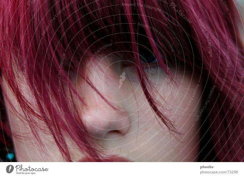 ein augenblick wie damals... rosa Frau Augenbraue Porträt violett Haarsträhne Stimmung Sommer Wimpern Wind Haare & Frisuren Nase Haut abgescnitten Gesicht