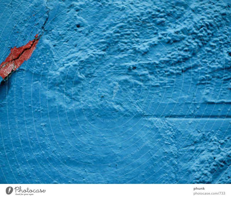 mauerriss Mauer rot Putz kaputt historisch blau Riss Ernährung alt