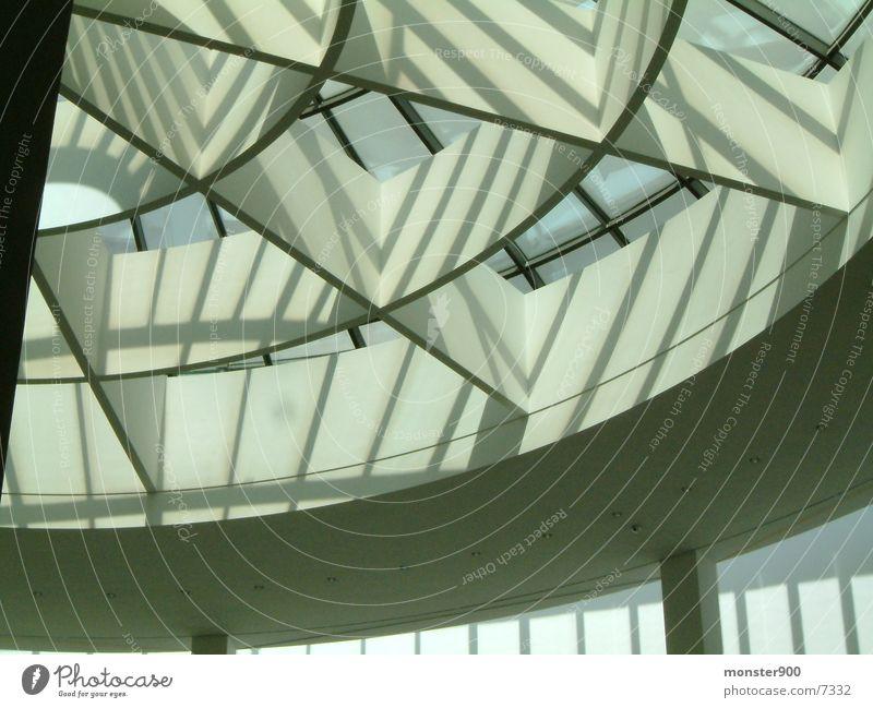 pina Licht & Schatten Architektur