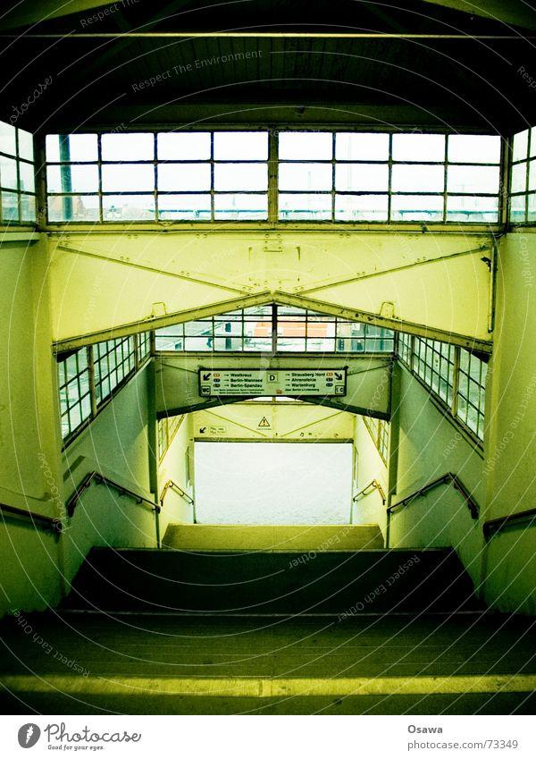 Ostkreuz Berlin Fenster Treppe Bahnhof Geländer Treppenhaus Podest
