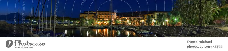 nächtliche Breitseite Gardasee Romantik Nacht Spaziergang träumen Panorama (Aussicht) Langzeitbelichtung torri del benaco bootshafen Hafen groß