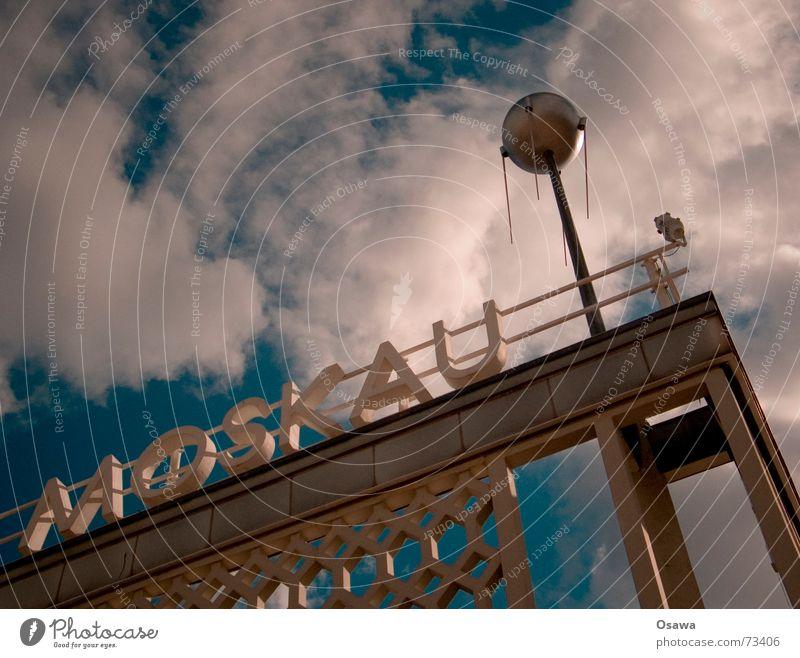 Moskau Himmel Wolken Berlin Beton DDR Russland Friedrichshain Zone Satellit Raumfahrt Sowjetunion Karl-Marx-Allee Sputnik drüben