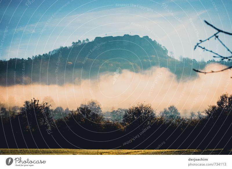 Nebelberg Ferien & Urlaub & Reisen blau grün weiß Erholung Landschaft ruhig Freude gelb Berge u. Gebirge Bewegung Glück außergewöhnlich Stimmung Wetter