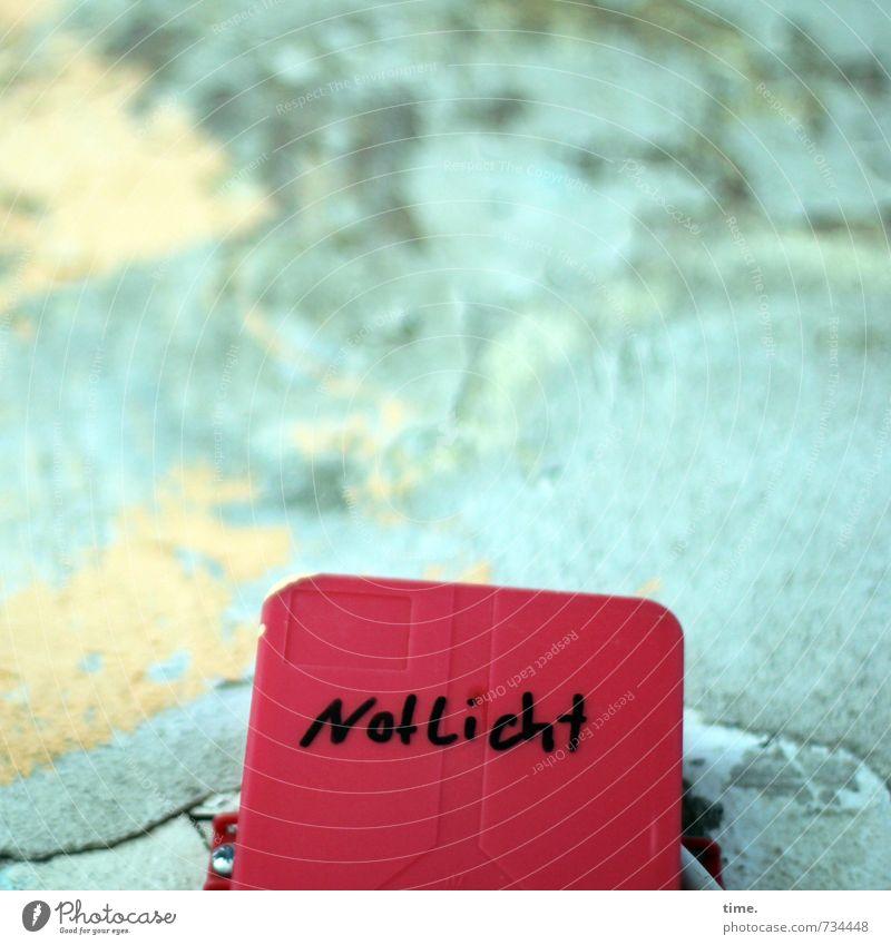 sicherheitshalber Mauer Wand Notbeleuchtung Beton Kunststoff Schriftzeichen Schilder & Markierungen Hinweisschild Warnschild Endzeitstimmung Ewigkeit
