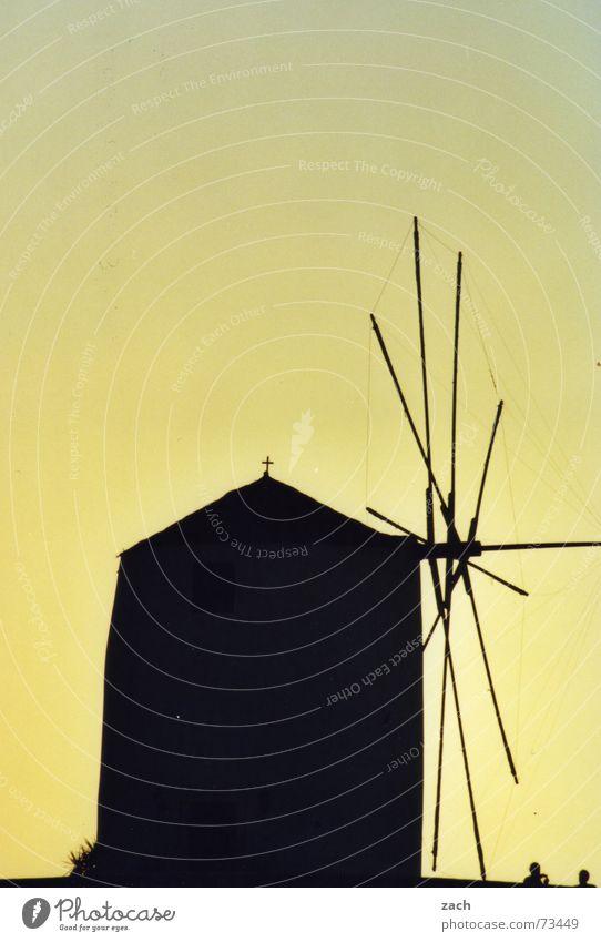 Mensch alte Mühle, nich imma allet schwarz sehen Sonne Einsamkeit Insel einzeln Romantik Wahrzeichen Denkmal Backwaren Griechenland Single Skelett Mehl Abendsonne Mühle Müller Paros