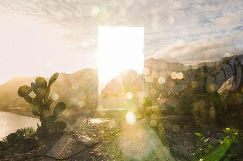 Himmelstür mit Kaktus Umwelt Natur Landschaft Schönes Wetter Felsen Berge u. Gebirge außergewöhnlich Surrealismus Tod träumen Religion & Glaube