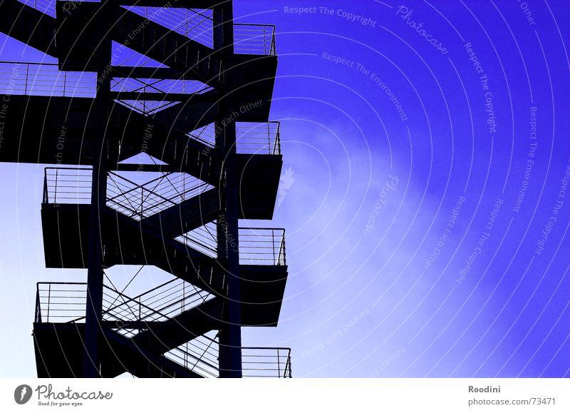 Stairs to heaven Himmel Wolken oben Gebäude Metall Wetter Treppe modern Stahl Etage aufwärts Geländer aufsteigen